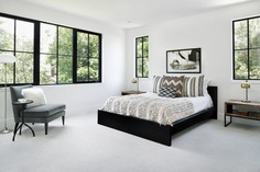 Farmhouse Modern Aesthetic with an Urban Appeal / Clark | Richardson Architects 1