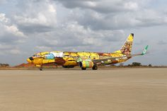 Osgemeos airplane graffiti #osgemeos #graffiti #airplane