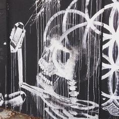 street art skull