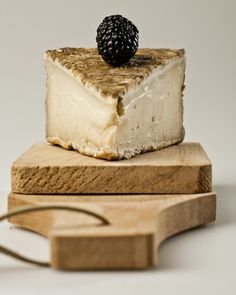 rec everything #dairy #cheese #fruit #wood #photography #blackberry #still #life