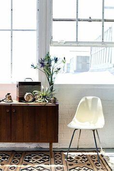 white eames chair #interior #design #decor #deco #decoration