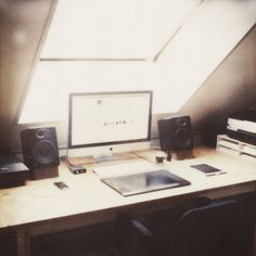 The workspace #polaroid #devetpan #photography #desk #minimal #soft #film #sx70 #mac