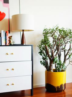 OLD BRAND NEW: YELLOW DRIP PLANTER #yellow