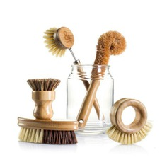 Eco Brush Set This Eco Brush Set is made with all natural materials – which means no animal byproducts and zero plastic. The handles are made out of sustainable bamboo with 100% plant fiber bristles.