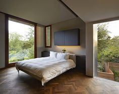 Fitzroy Park House by Stanton Williams Architects #bedroom #interiors #design