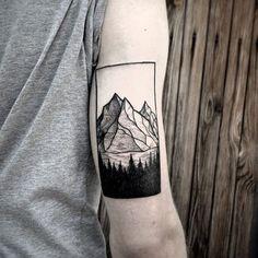 https://i.pinimg.com/736x/0e/28/df/0e28dfe07dd7871c7773fd7896cfe7c3--geometric-tattoo-mountain-geometric-tattoos.jpg
