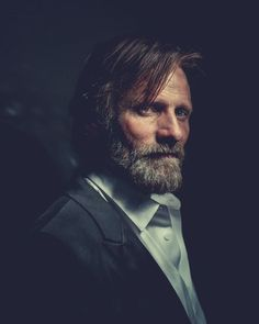 viggo mortenson profile portrait