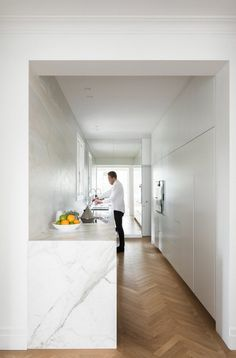 Stylish Minimalist Apartment with Spacious Open Spaces and Full of Light 6