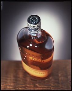 Beautiful packaging for Bulleit Bourbon. Great cap and capsule seal. #packaging #cap #spirits #bottle