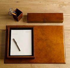 tumblr_lc0qseMOoF1qznrwro1_500.jpg (461×450) #blotter #desk #leather