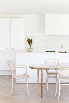 Toorak Residence by Hecker Guthrie. #kitchen #simplicity #heckerguthrie