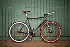 3670555938_9c955a0fbe.jpg (500×339) #gear #red #bike #fixed