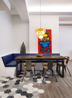 Flatiron Loft: Balinese craft juxtaposed with the Industrial style