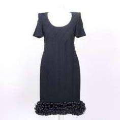 CHANEL exquisite cocktail dress, Size 40.