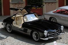 Fancy 1954 Mercedes Benz 300 SL Coupé #mercedes