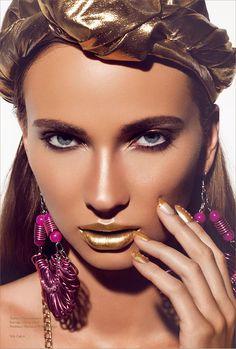 Golddigger #styling #layou #volt #cafe #photography #fashion #magazine #beauty