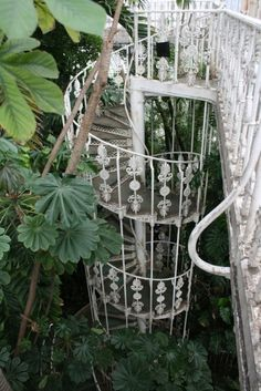 Beautiful. #stairs #garden #plants #ornaments