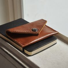 Snap Wallet by Convoy Goods #tech #flow #gadget #gift #ideas #cool