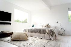 Minimal #bohemian #bedroom. #MontaukBeachHouse by #SpaceExploration.