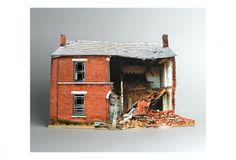 house_0051.jpg 1369×933 pixels #sculpture #print #olfra #broken #houses #lapid