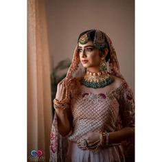 stunning-jewellery-bridal-portrait