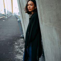 Woman in Simplicity. Be inspired by Rawpixel.com. #abdz_minimalism #abdzphotochallenge #minimalistic #minimalism #portrait #woman #exp