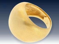 Ring: extrem schwerer, ausgefallen gefertigter und äußerst hochwertiger Goldschmiedering, handgetrieben aus Feingold, sog. Bombé Design