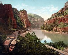Shorpy Historical Photo Archive :: Echo Cliffs #mountain #nature