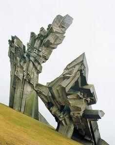 Cosmic-Communist-Construc-002.jpg (400×505) #communist #photography #architecture #communism