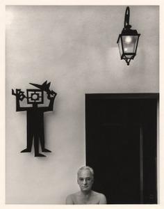 """habitantes-oazj: """"PH - Jean Dieuzaide - Vacances dans ma maison : autoportrait devant la porte de mon bureau, 1979 """""""