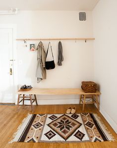 article-image #interior #rug #wood
