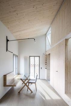 Casa de l'Aleix i la Mariona by SAU Workshop D'Architecture