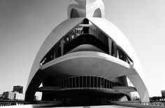Distraction is an Obstruction to the Construction #photo #valencia #design #architecture #calatrava