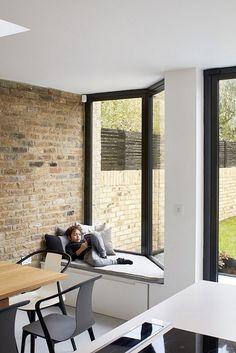 British House Completely Renovated by Scenario Architecture / Scenario House