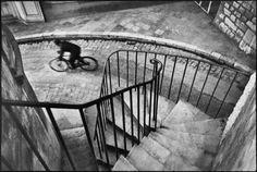 Henri Cartier-Bresson. FRANCE. The Var department. Hyères. 1932. #henri cartier-bresson #magnum #photography