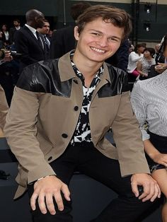 Ansel Elgort Jacket A Beige Color Cotton Jacket is the best for this season. Famous Celebrity, Ansel Elgort looks great in this Premium Stitched Jacket. Buy Now #anselelgort #anseleelgortjacket #cottonjacket #beigejacket #celebrityjacket #love #fashion #summer #spring #summerfashion