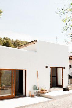 Campo House in Ibiza / Standard Studio