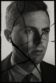 HIT THE DUTCHMAN/ L'art délicat du clair-obscur par Neil Kellerhouse | Traffic de Mode #kellerhouse #neil #photography #poster #cracked