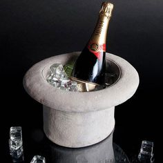 Chapeau Cilindro Wine Cooler #tech #flow #gadget #gift #ideas #cool