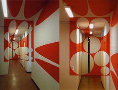 gravestmor » Notes on the Denial of Perspective 02 - Felice Varini : : architectural ephemera #geometric #felice #anamorph #varini #art #room