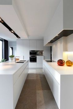 Modern white kitchen #modern #white #kitchen