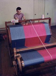 Risultato della ricerca immagini di Google per http://28.media.tumblr.com/tumblr_lyz5kcihJM1qzoz4do1_500.jpg #loom #textile #weaving