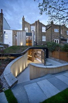 Victorian House in London at the Edge of Old and New #landscaping #house #london #architecture #garden