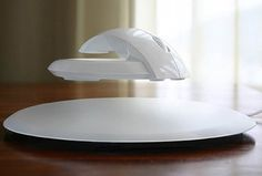 With BAT, the levitating mouse, you can spend all your time in front of your computer without risking the nerves of your hand!