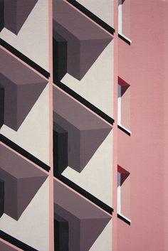 Roos van Dijk - artnau   artnau #walls #architecture