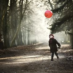 pure joy, photography by Magdalena Berny #forest #children