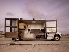 del popolo: mobile pizzeria #mobile #container #pizza