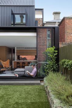 Frame Terrace House by McMahon and Nerlich Architects 11