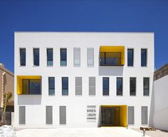Porreres Health Center / MACA Architecture Studio