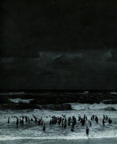 tumblr_lcctzmZBmA1qzrblzo1_500.jpg (500×617) #night #ocean #dark #people